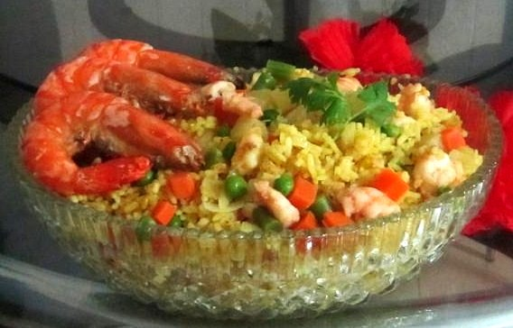 Aromatic Pineapple Rice With Prawns Recipe